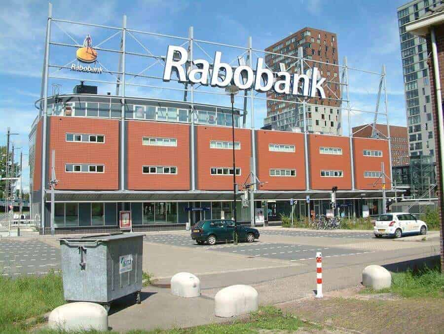 Rabobank (© S.J. de Waard / CC-BY-SA-3.0 (via Wikimedia Commons) [CC BY-SA 3.0 or GFDL], via Wikimedia Commons)