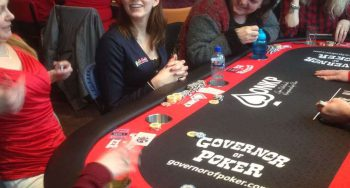 Onetime_Girl-in-poker-actie