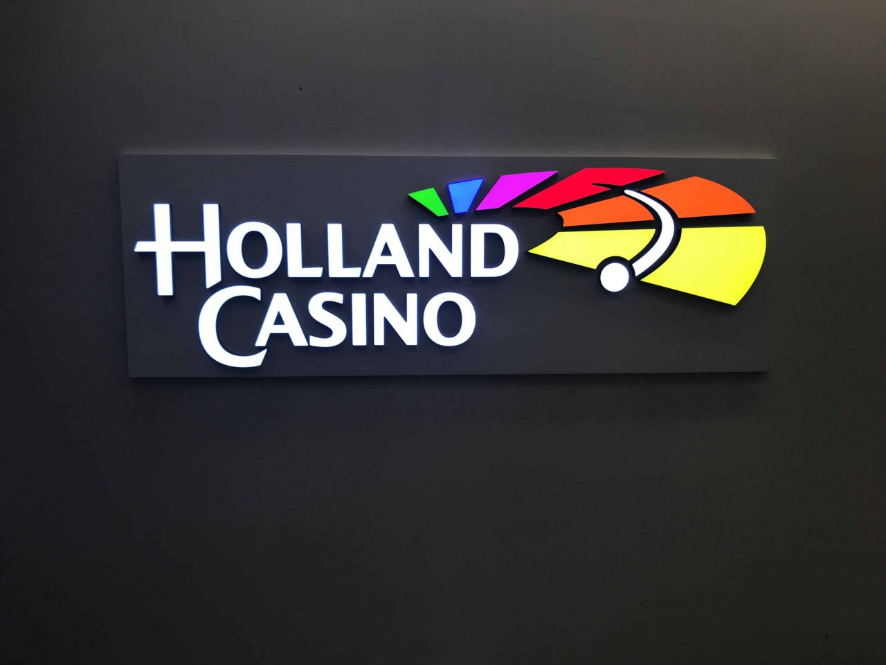 Holland-Casino-logo-e1558965996560